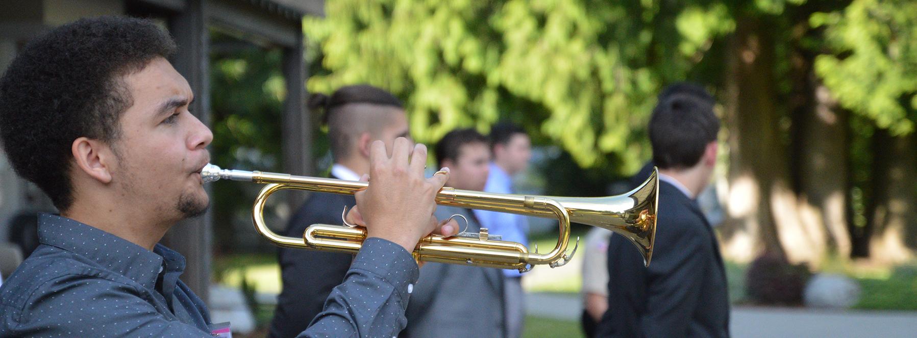 trumpet long 16′